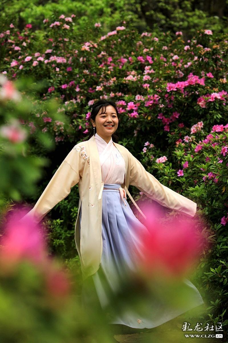 黑龙潭公园花朝节穿汉服的小姑娘漫画北影v公园图片